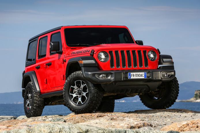 De nieuwe Jeep Wrangler is duidelijk herkenbaar als nazaat van de oer-Jeep uit de Tweede Wereldoorlog
