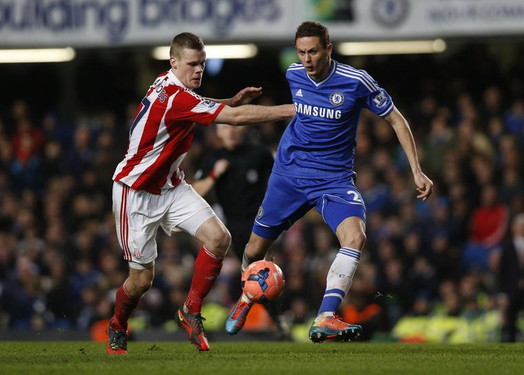 Nemanja Matic, op de huid gezeten door Shawcross, is terug op Stamford Bridge.
