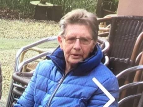 Update: vermiste Hannie (84) uit Nijkerk gezond aangetroffen door WhatsAppgroep Kootwijkerbroek