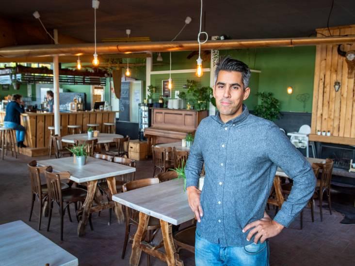 Boscafé Zweef-Inn is net een strandtent: zon en het terras stroomt vol