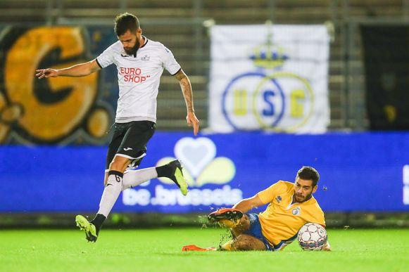Thibaut Van Acker met Roeselare vorig seizoen tegen Union.