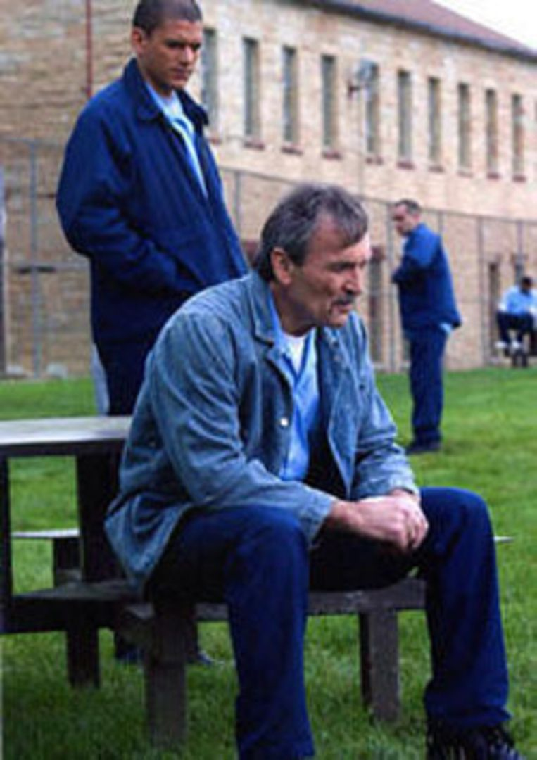 Muse Watson speelt in Prison Break de rol van Charles Westmoreland aka D.B. Cooper.