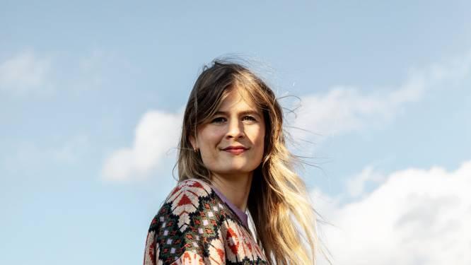 """NINA vraagt het aan Eva de Roo (32) Stubru-presentatrice, vrouw van Jan Paternoster en mama van Lucca: """"Ik ben dit jaar best geschrokken van de liefde voor mijn zoon"""""""