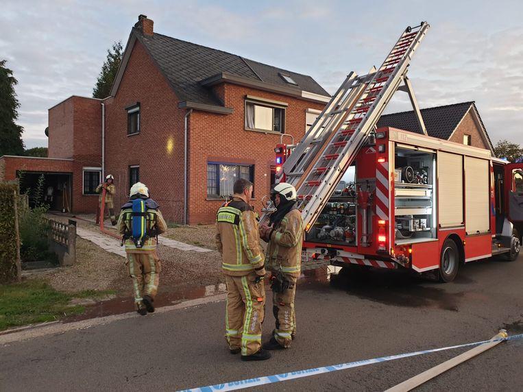De brandweer aan de woning aan Verboekt in Laakdal