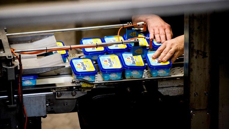 De productie in de margarinefabriek van Unilever in Rotterdam Beeld anp