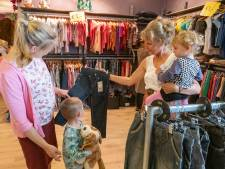 Kledingbank Zeeland trekt vrijwilligers en klanten met open dag in Middelburg