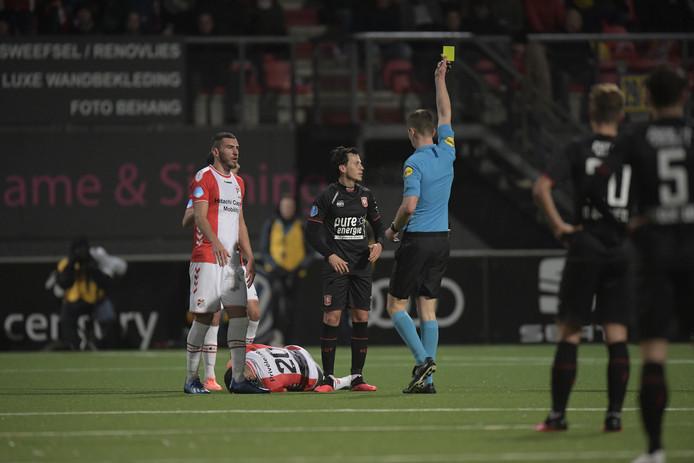 Javier Espinosa krijgt tegen Emmen zijn vijfde gele kaart en is daardoor geschorst.