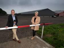 God prijzen vanuit je auto, Hoeksteen in IJsselmuiden houdt drive-in-dienst