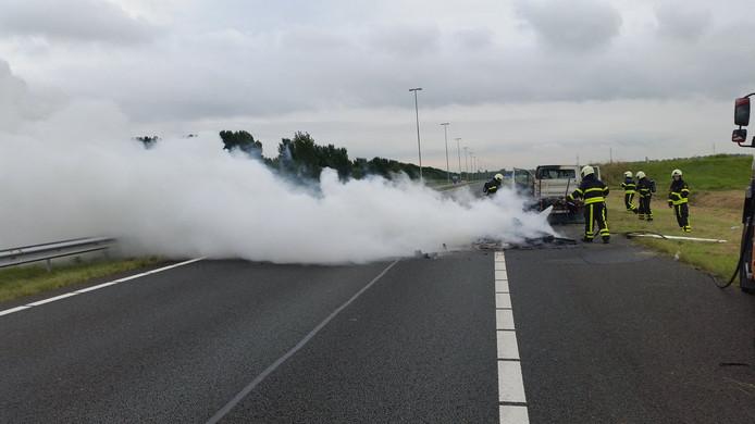 Autobrand op A4 bij grens met België.