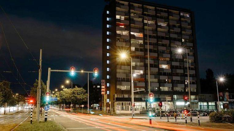 De Klokkenhof met onderin het Belfort Hotel. 'Er is veertig jaar niets aan gedaan.' Beeld Marc Driessen