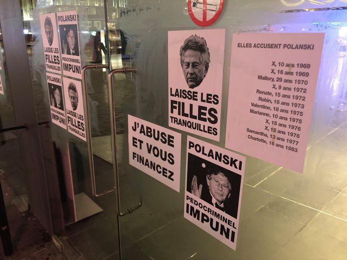Les cinémas bruxellois ont été placardés de slogans