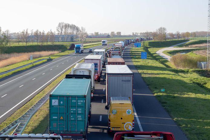 De grootste knelpunten in Den Haag zijn de A4 bij knooppunt Prins Clausplein en de A12 tussen dat knooppunt en het Malieveld.