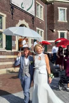 Eindelijk getrouwd: drie keer is scheepsrecht voor Ron en Irene uit Enschede