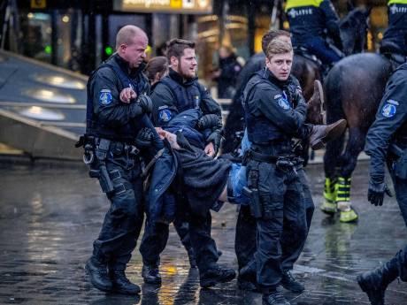 Voorzitter Vereniging tegen Vliegtuigoverlast opgepakt bij klimaatprotest Schiphol: 'Ze kenden geen pardon'