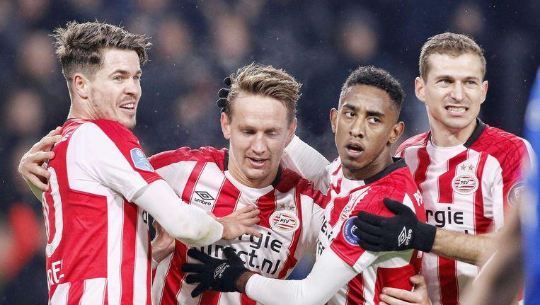 PSV viert het eerste doelpunt. Beeld anp