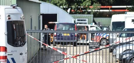 Gestolen auto's en drugsapparatuur in Mook, burgemeester wil pand opnieuw afsluiten