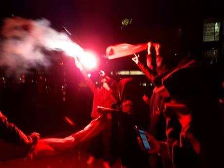 Grimmige sfeer bij protest in Rotterdam: Turken en Koerden lijnrecht tegenover
