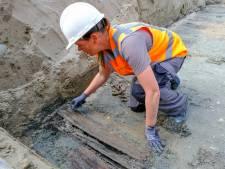 Ongeveer zeventig graven gevonden bij de bieb van Bru