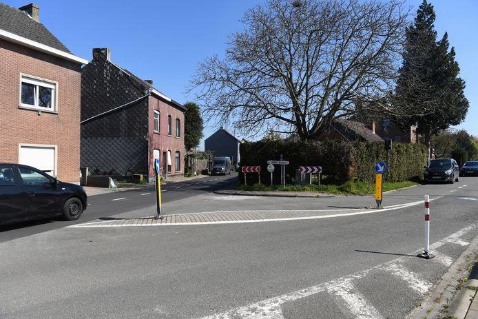 De bestuurster kwam zoals deze auto (niet bewuste auto, red.) aangereden op de Kroonstraat en moest voorrang geven aan de fietser die rechts van de Speelbergweg kwam.