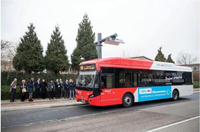 Een elektrische bus van Arriva.