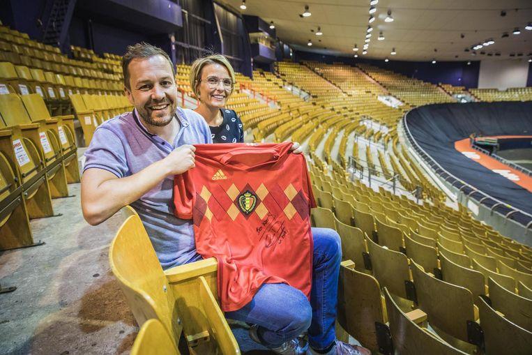 Organisatoren Olivier Orlans en Kim Van Vaerenbergh in een nu nog leeg Kuipke.