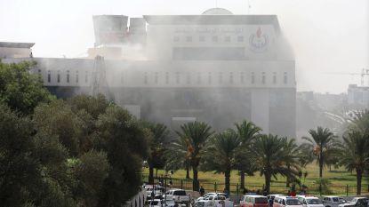 2 doden bij zelfmoordaanslag in kantoor nationale oliemaatschappij in Tripoli