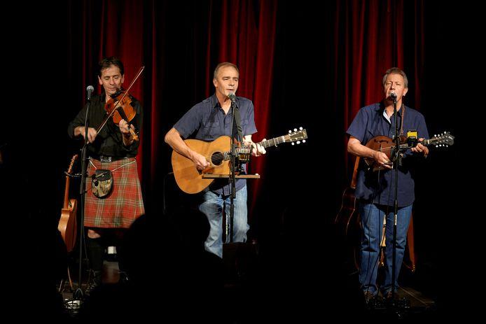 Other Roads, met Gregor Borland, Pete Abott en Dave Walmisley (van links naar rechts).