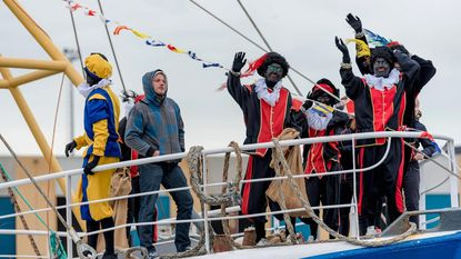 Sinterklaas meert aan in Oostende