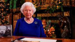 Opvallend: Queen Elizabeth spreekt zondag haar onderdanen toe over coronacrisis