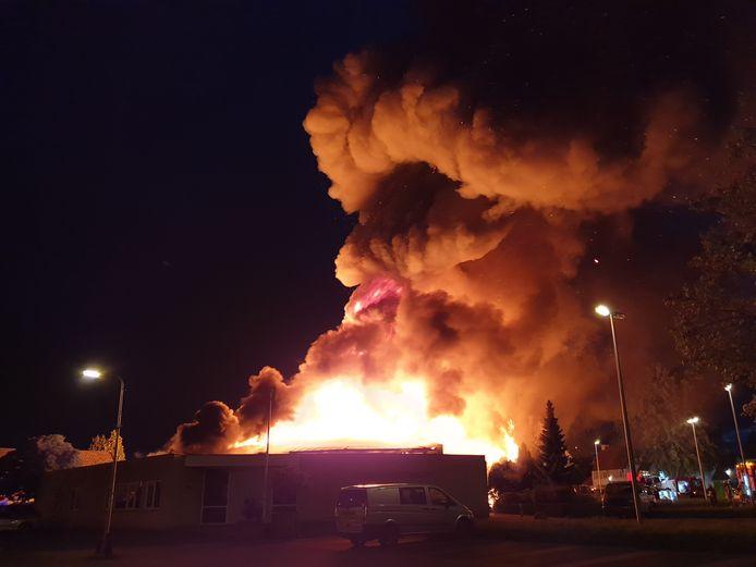 Het is vandaag precies een jaar geleden dat de Moeder Teresakerk in vlammen opging.