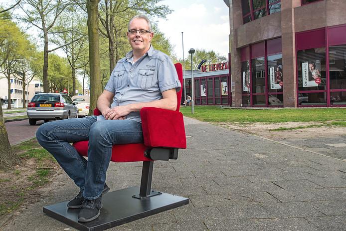 Ron Megens van theater De Lievekamp: 'De locatie is ideaal: er is altijd voldoende parkeergelegenheid'.