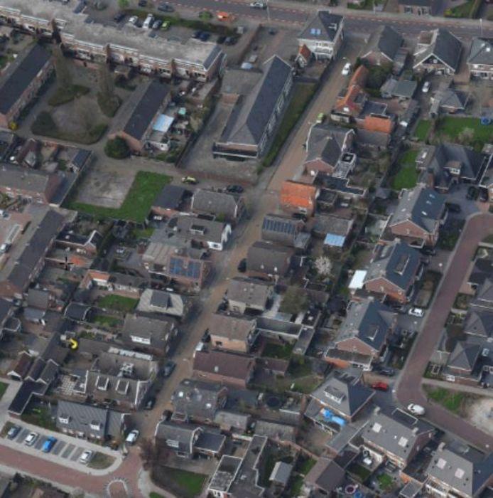 De Schoolstraat in Rijssen van bovenaf.