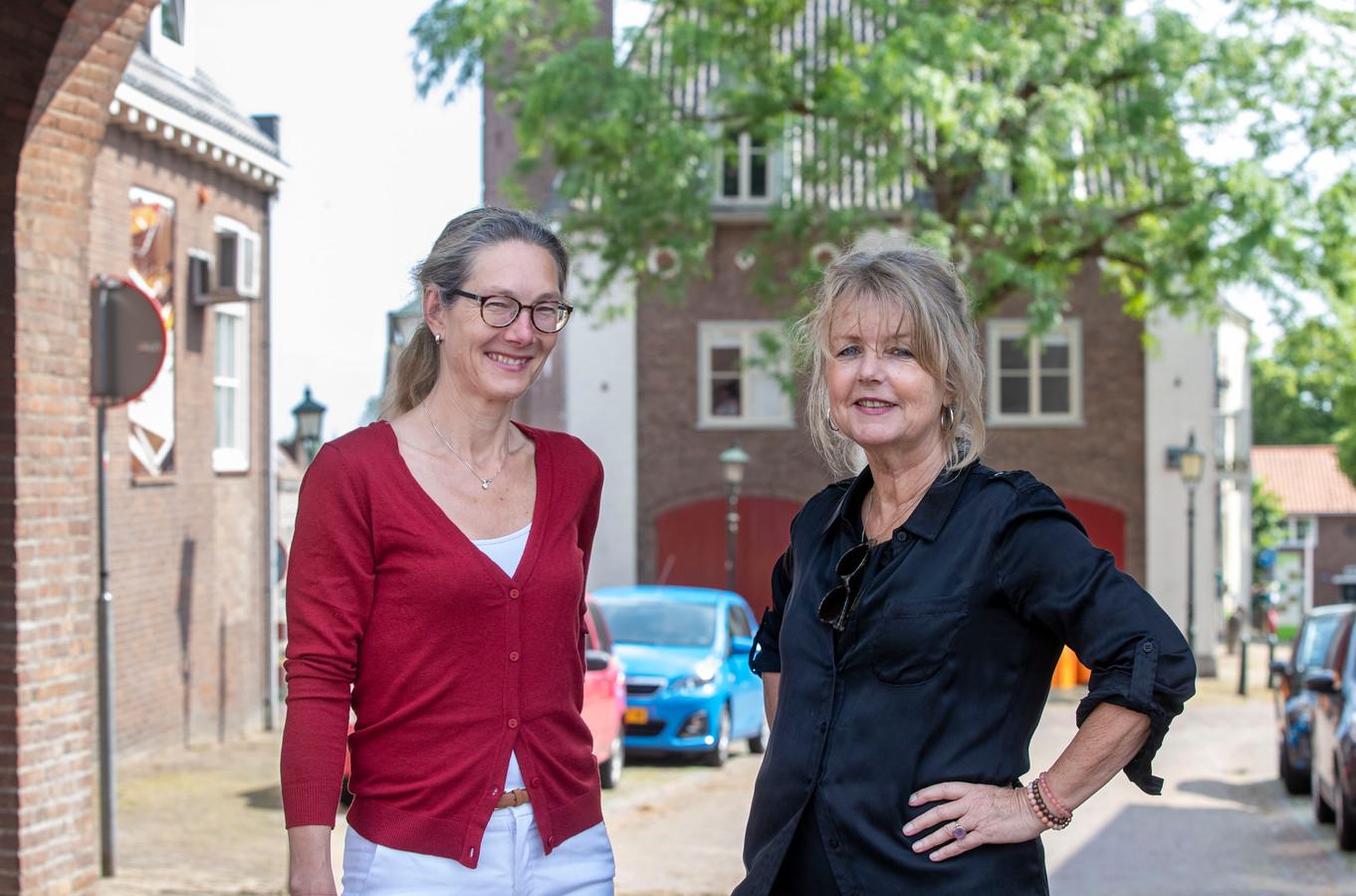 Mieke Bouma (rechts) en Hedy van der Poel.