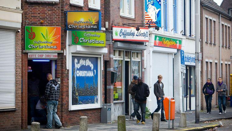 'De onderzoeksuitkomst relativeerde een voorgenomen beleidswijziging, door te stellen dat de overlast rond coffeeshops beheersbaar was.' Beeld anp