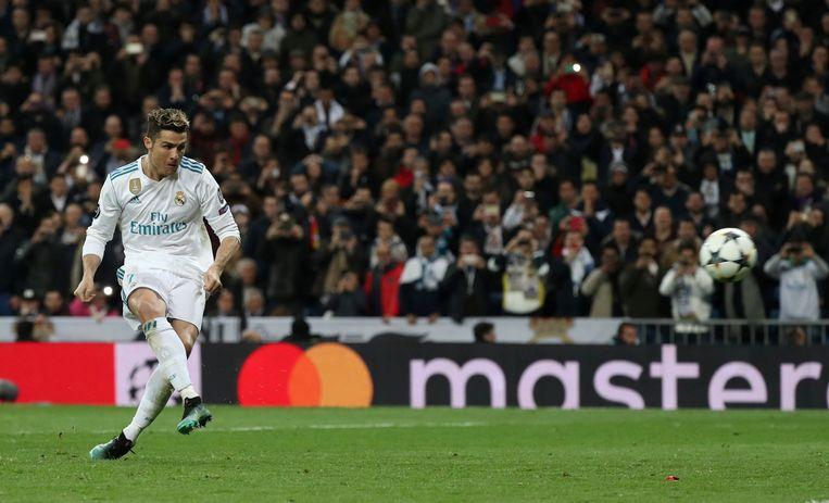 Cristiano Ronaldo trapt de beslissende penalty tegen Juventus.