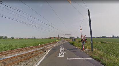 Overweg dicht: tot midden november spoorwerken in Izegemsestraat