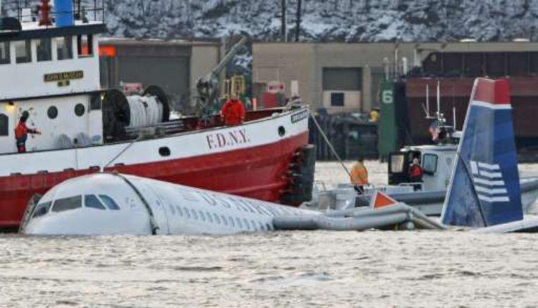 Een Airbus crashte gisteren in New York op de ijskoude Hudson-rivier.