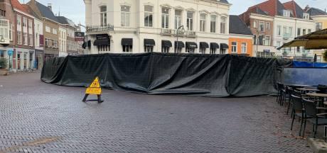 Bestuurder auto terrasdrama Deventer veertien dagen langer vast