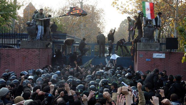 De Britse ambassade in Teheran, die deze week werd bestormd. © EPA Beeld