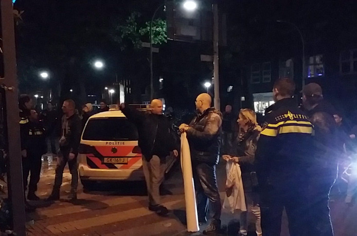 Bij het linkse bolwerk De Klinker in de Nijmeegse binnenstad was een informatieavond en een debat over hoe je racisme rond Zwarte Piet bespreekbaar maakt op school.