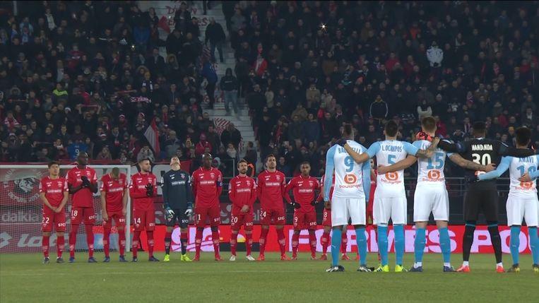 Alle voetbalploegen in de Franse Ligue 1 en 2 zullen dit weekend een minuut stilte houden.