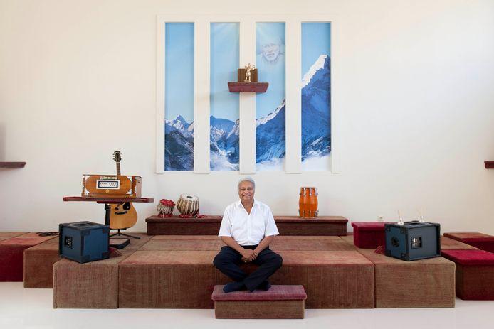 Etienne Premdani beschrijft in zijn boeken de leer van Sai Baba, die de wereld weer wilde herinneren aan wat na duizenden jaren in vergetelheid is geraakt.