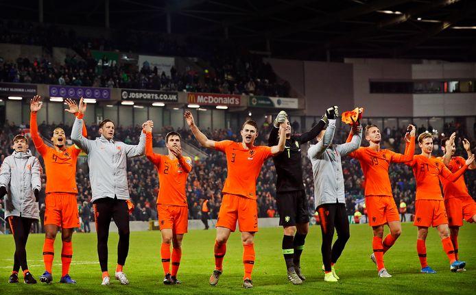 Oranje  kwalificeert zich voor het EK na de 0-0 in Belfast.