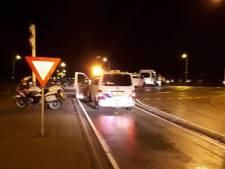 Een aanhouding en twee rijbewijzen ingenomen bij verkeerscontrole in Rosmalen