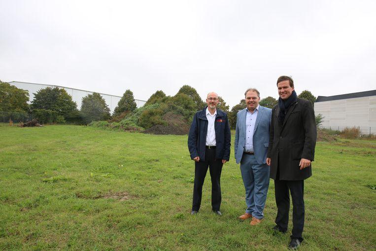Zonecommandant Wim Van Zele, Evergems burgemeester Joeri De Maertelaere en zonevoorzitter Mathias De Clercq.