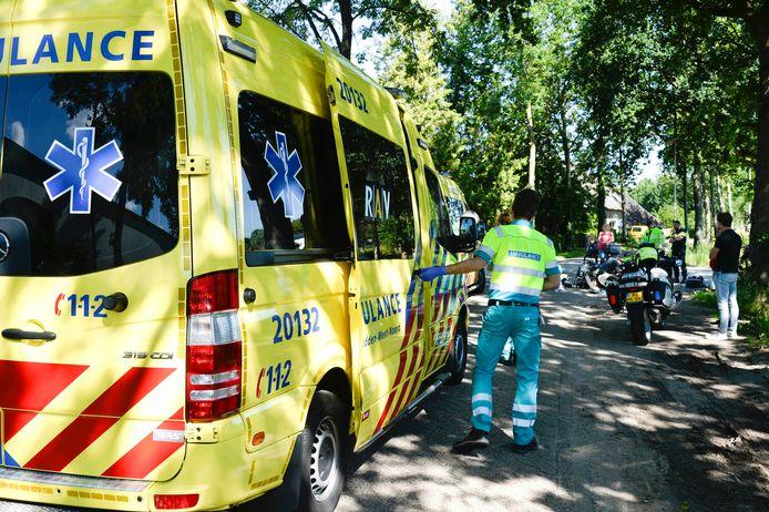 Ongeluk tussen scooterrijdster en fietsster in Breda.
