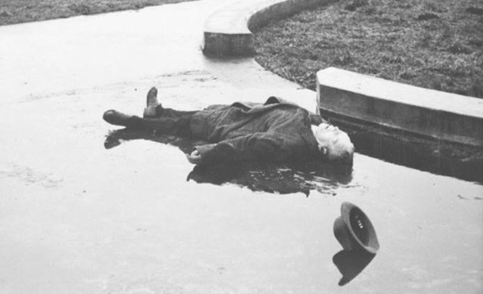 Gerrit Rokus Vonk, burgemeester van Bodegraven, werd gefusilleerd nabij Lekkerkerk in december 1944.