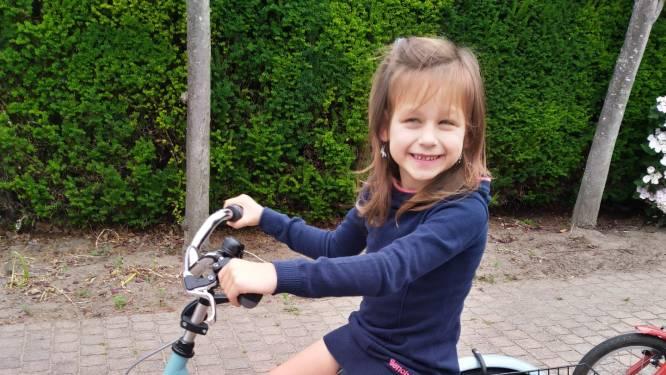 """Rolstoelgebruikster Annalina (7) krijgt lift op school: """"Beerzel heeft een heel warm hart"""""""