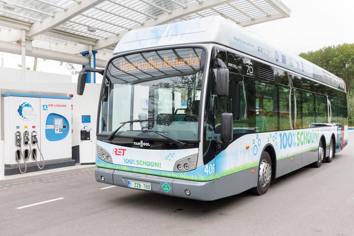 De bus op lijn 70 is een van de eerste waterstofbussen in Nederland.