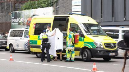 Politie schiet man dood die conciërge neerstak